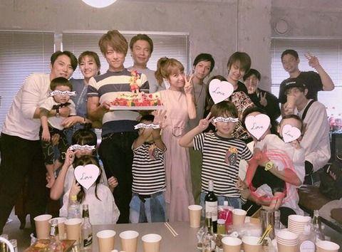 【朗報】加護夫妻 辻希美の31歳誕生パーティーに出席!(画像)