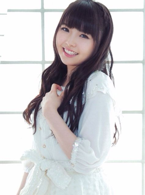 【画像6枚】美少女声優 麻倉ももさん、浜辺で無邪気になる姿を公開!かわいい!!