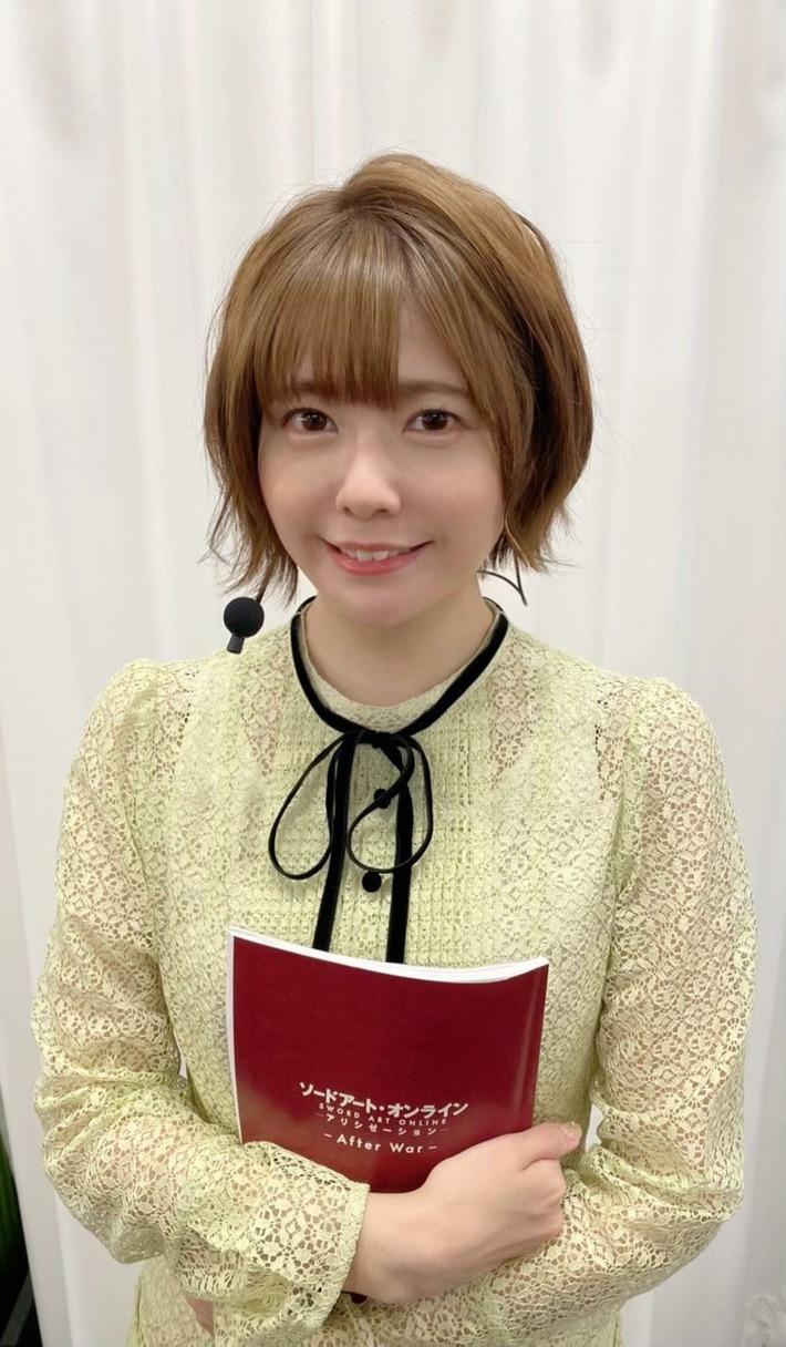 【悲報】人気声優の竹達彩奈さん、流石に老けてしまう…