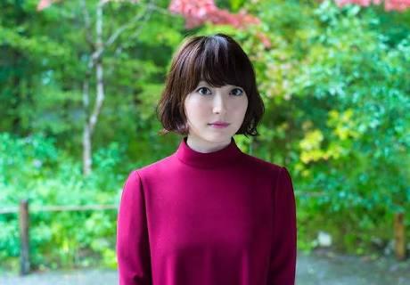 声優の花澤香菜さん、彼氏発覚するもアニメに出まくってしまうwww