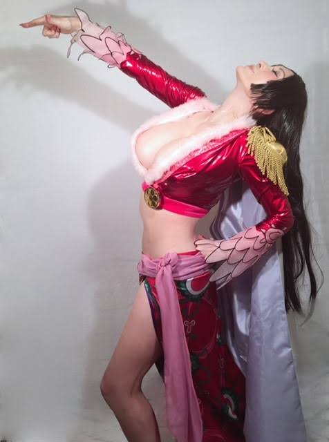 【画像大量】叶美香さんのエロデカ乳を活かした色々なコスプレ姿のクオリティーが高すぎる!!