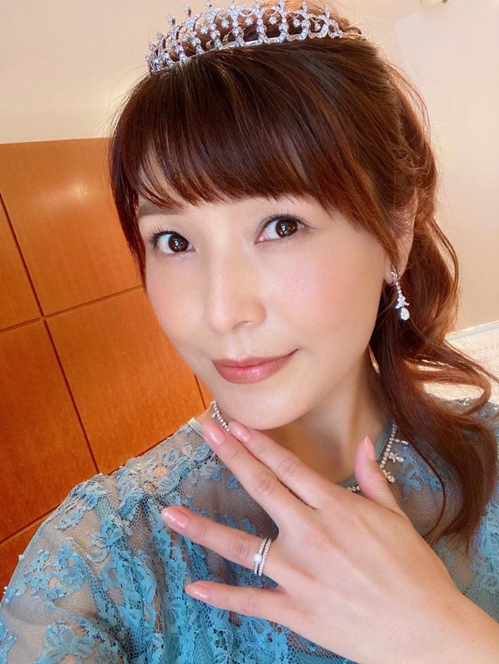 【画像】新田恵美さん、くっそ美人になってさらに匂わせwwwwwwwか?