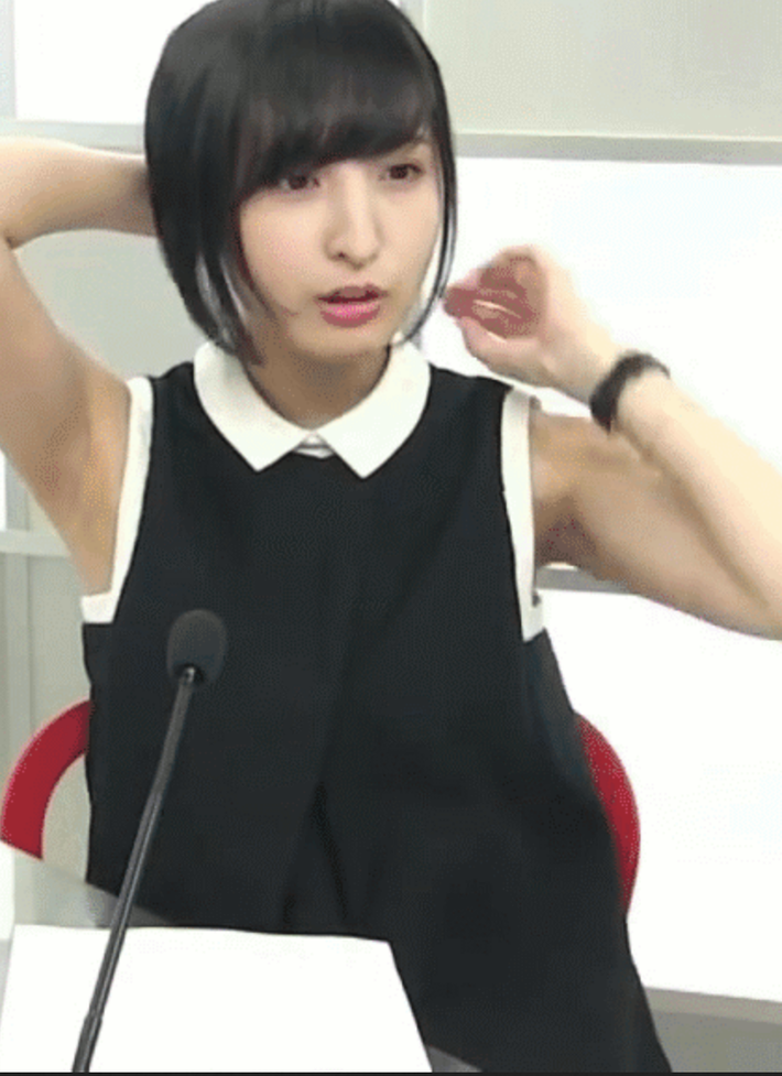 【画像】性優の佐倉綾音ちゃん、エロ腋全開でガチでシコらせにくるwwww