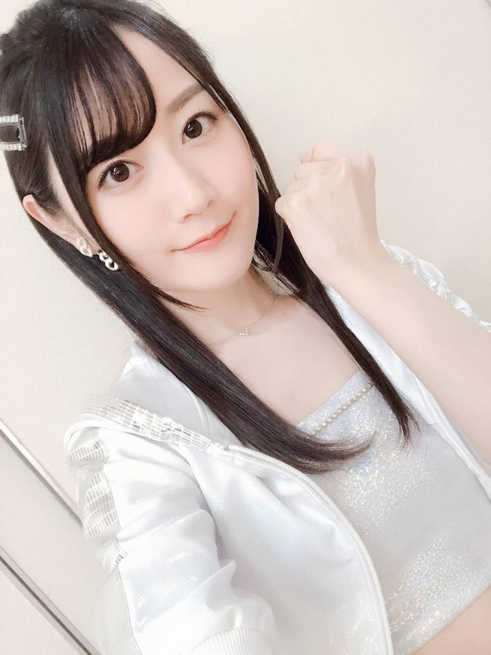 【画像】声優・小倉唯ちゃんのルックス、アイドルと大差で勝利してしまうwwwwwwwww
