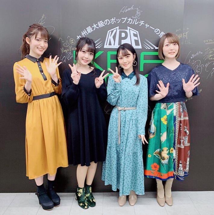 【悲報】花澤香菜さん、美人声優に囲まれるも1人だけ服がださい