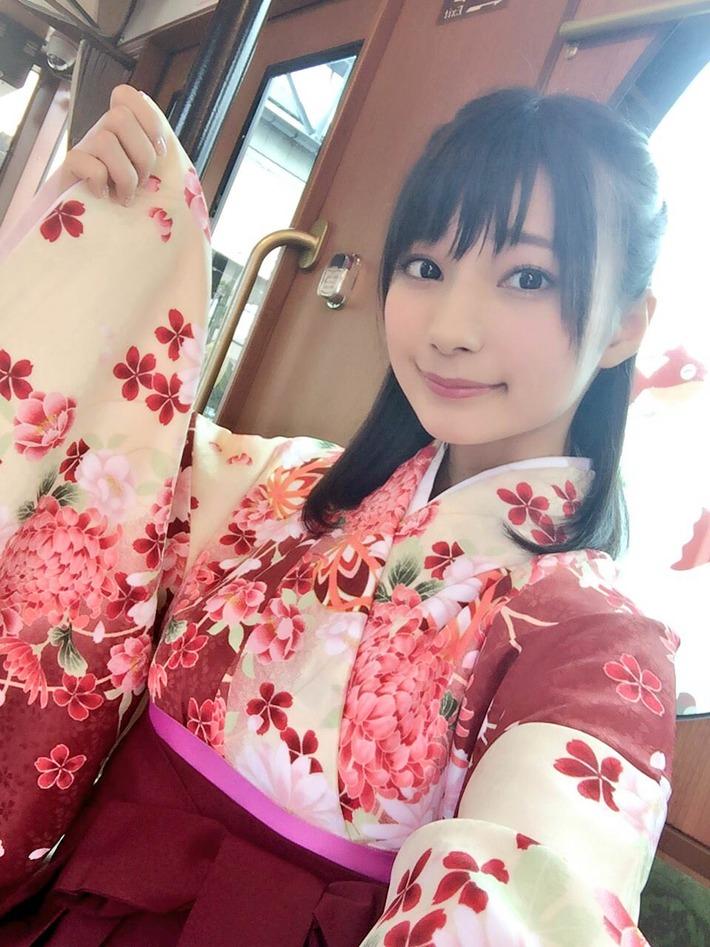 【画像】高野麻里佳ちゃんという、顔◎身体〇な超美人声優www