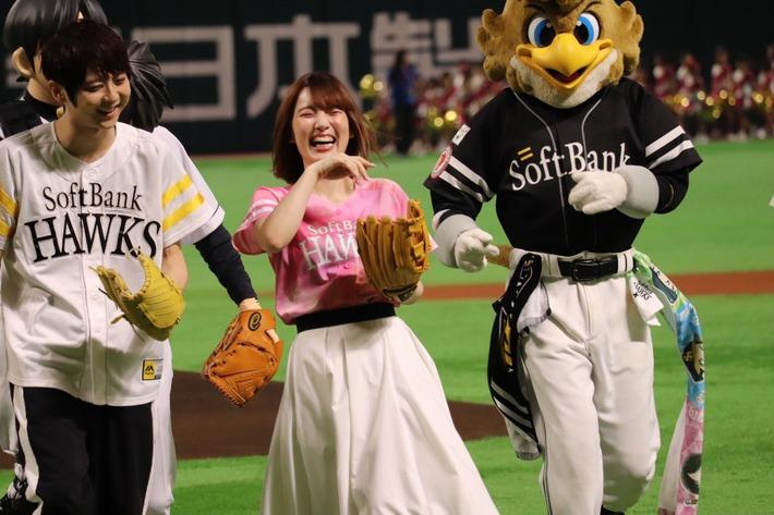 【朗報】梶裕貴さんと内田真礼さん、親しげに談笑する!!竹達さんは余裕のツイートかwww