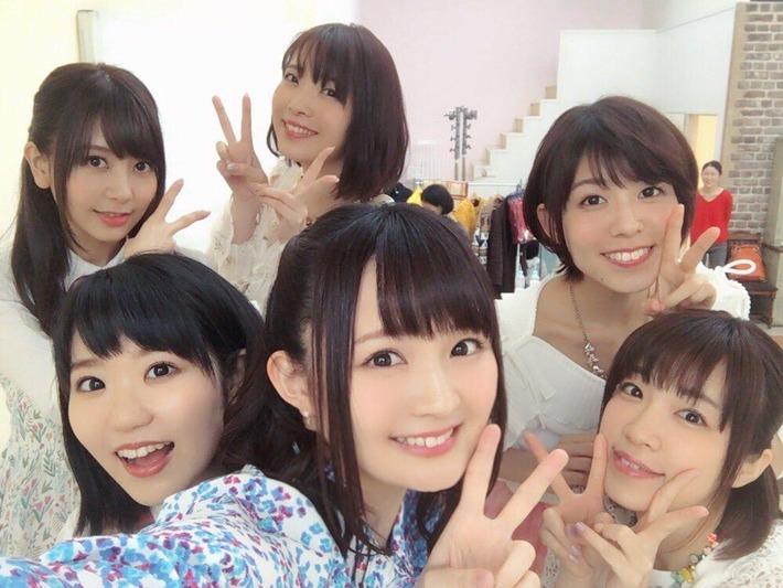 【画像あり】声優の東山奈央さん(左2)、芋臭さが無くなりすっかり大人の女性にwww