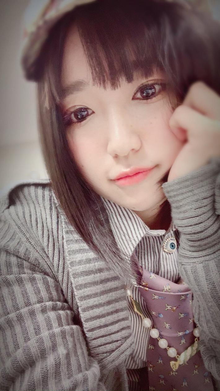 【朗報】声優の悠木碧ちゃん、ガチのマジで美少女だったwww