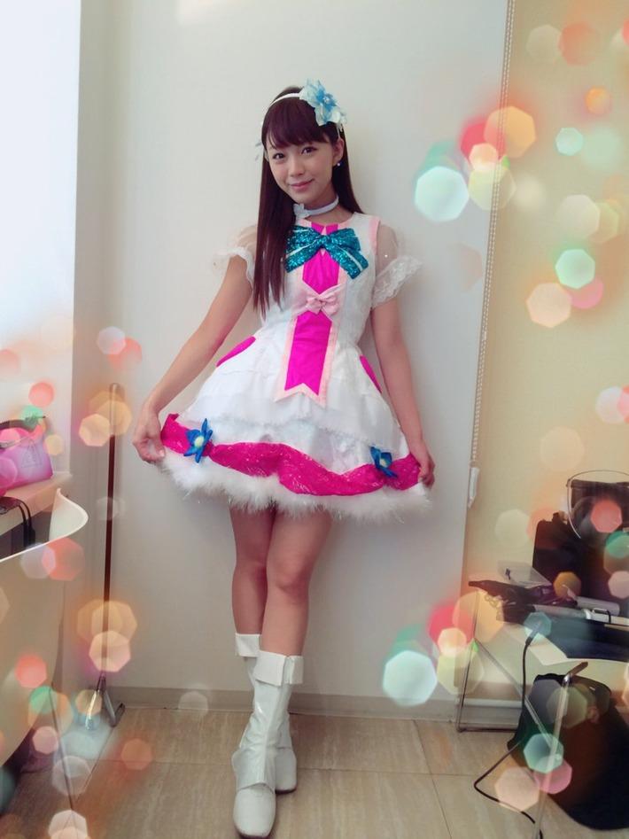 【悲報】 三森すずこさん(32)、ラブライブのコスプレ姿www