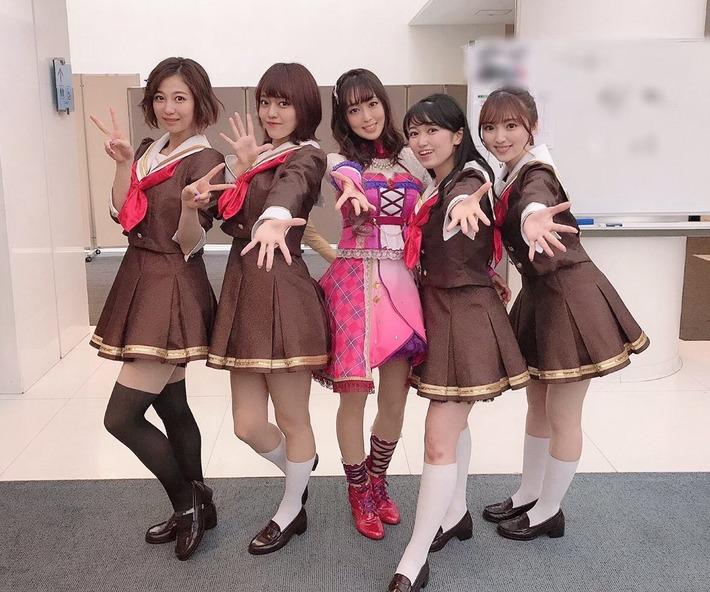 【朗報】日笠陽子さん(33)、若い娘らと並んでも遜色ない件www
