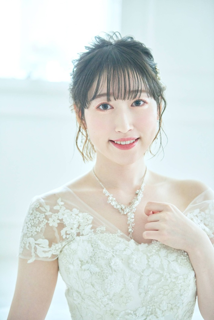 【画像】声優・五十嵐裕美さんのウエディングドレス姿の色気www