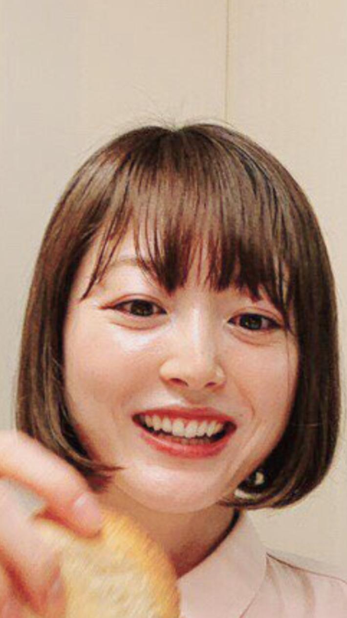 【悲報】声優・花澤香菜さん顔に亀裂が入るwwwwwwwwwww