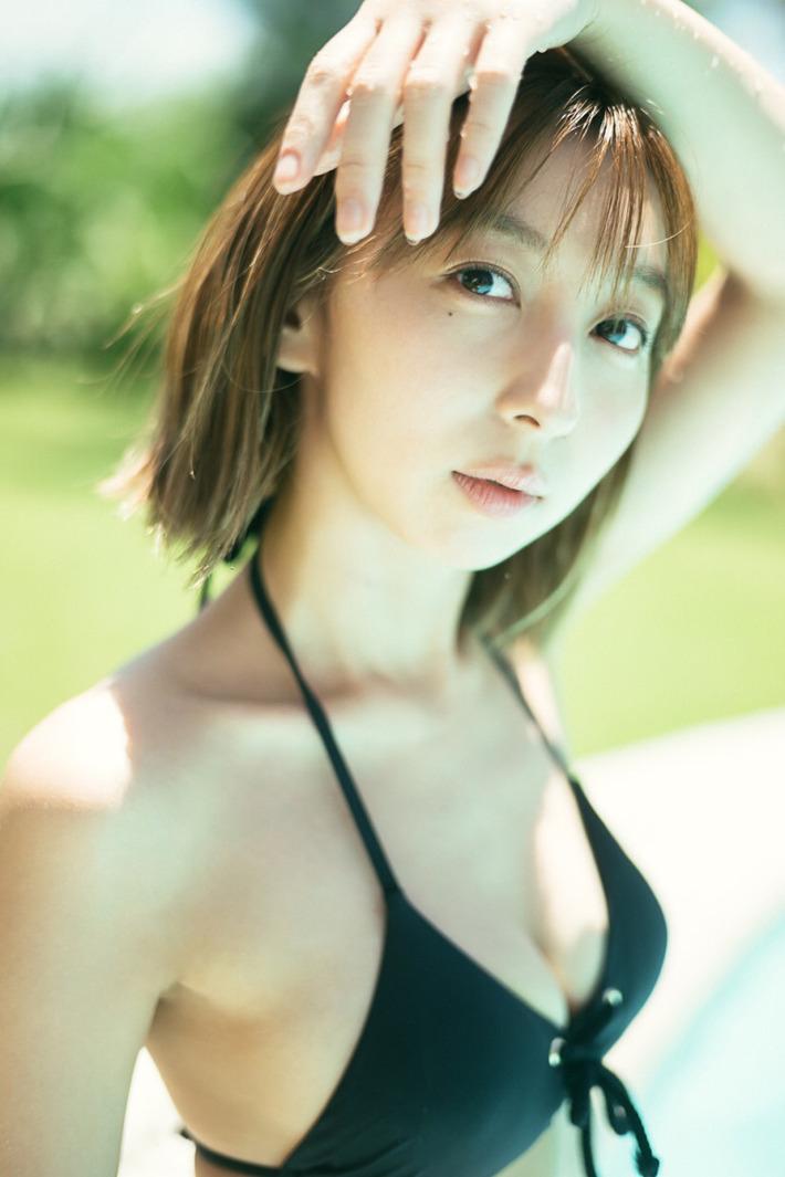 【画像】ラブライブ!声優・飯田里穂さん、久しぶりの水着キタッ!!