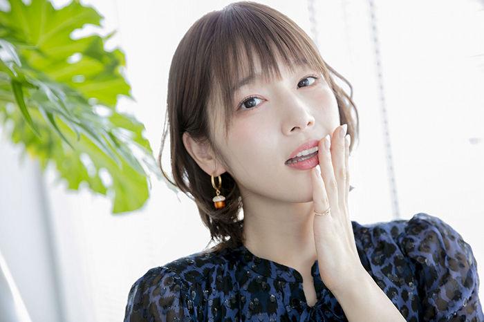 【悲報】声優の内田真礼さん、もう10日も自撮りツイート無し