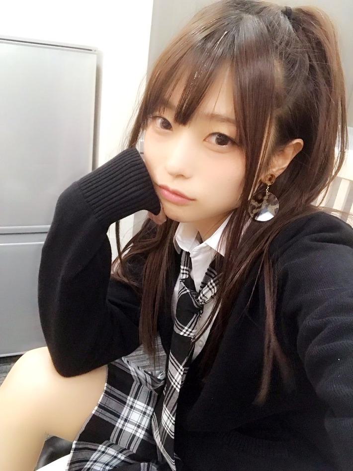 声優の立花理香さん(31歳)、新年からJKのコスプレをしてしまう!!!