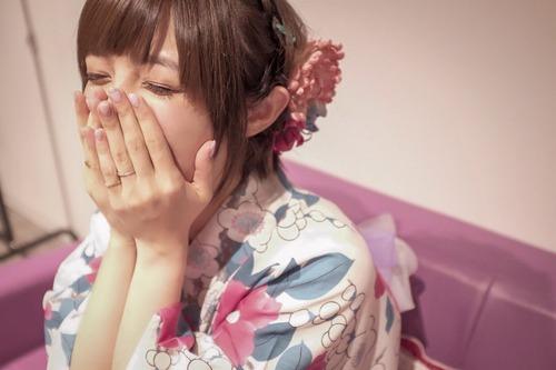 【画像】声優・加藤英美里さんが撮った、浴衣の佐藤聡美さんが可愛い