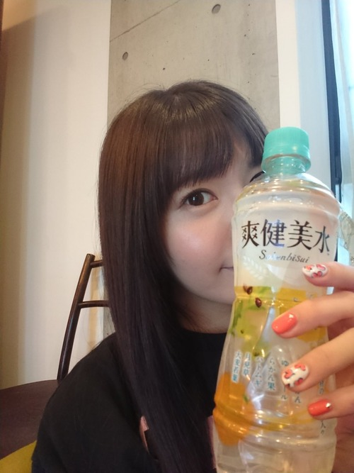 【画像】声優の竹達彩奈ちゃんは爽健美水が似合うな