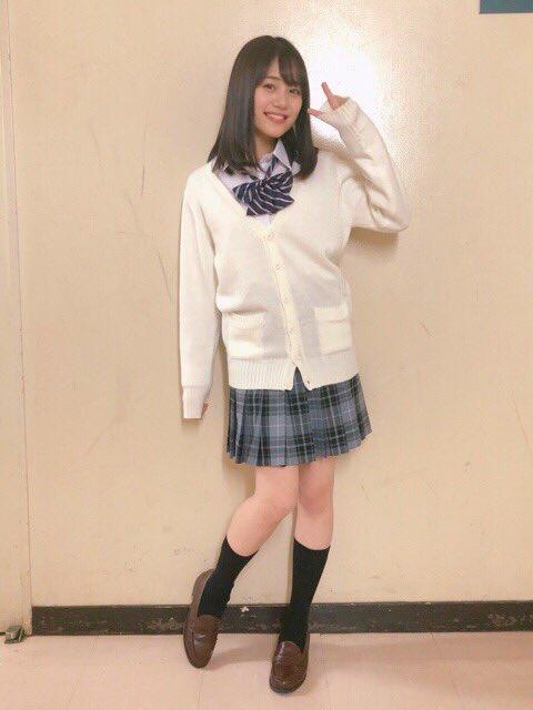 【画像】声優・伊藤美来ちゃんの制服姿はマジで興奮する