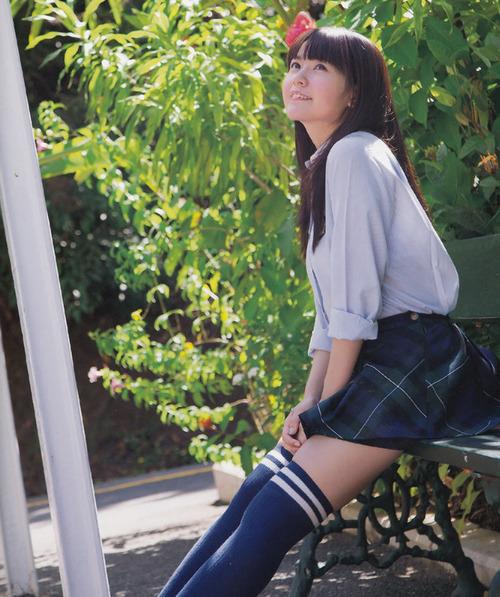 【画像】竹達彩奈さんの太ももに食い込んだニーハイマジでHすぎ