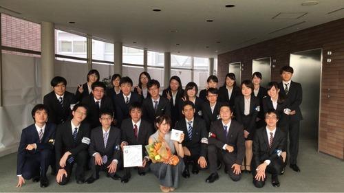 【画像】声優研究会と小松未可子との集合写真!!!