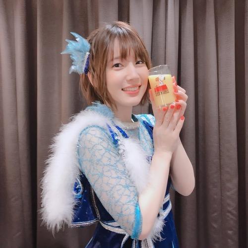 【画像】内田真礼ちゃんはオレンジジュースが似合うね