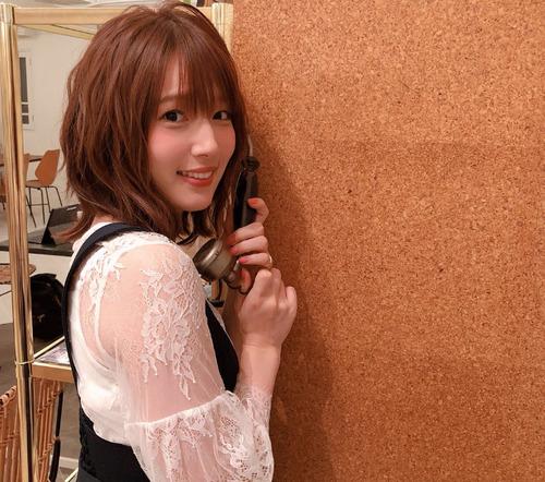 【画像】声優の内田真礼さんが透け透けの服着てる
