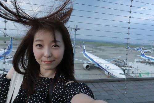 【画像】声優・加藤英美里さんは髪が乱れてもかわいいな