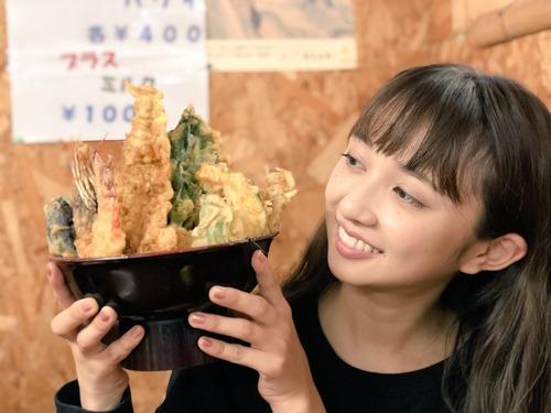 【画像】声優・小宮有紗さんと天丼の組み合わせいいね・・・