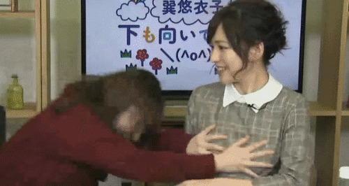 声優の佳村はるかさん、巽悠衣子さんに自慢のお胸揉まれるwww