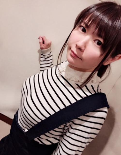 【画像】声優・竹達彩奈ちゃんのボーダー服姿がたまらなく興奮する