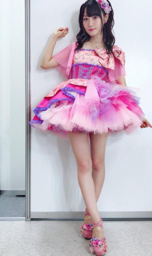 【画像】声優の小倉唯ちゃんの魅力って脚だよな