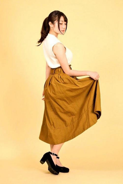 【画像】声優の井澤美香子さんって、けっこう美人じゃね?