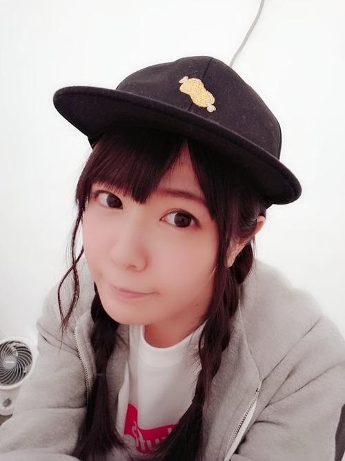 【画像】肉キャップを被ってる竹達彩奈ちゃんも可愛いな