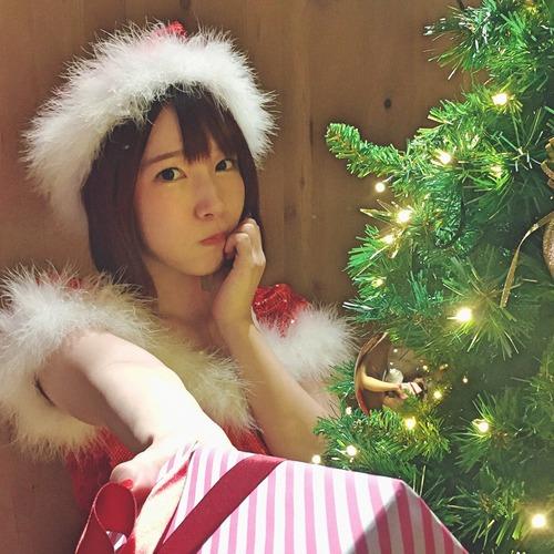【画像】声優・内田真礼さんのサンタコスプレ可愛すぎるだろ