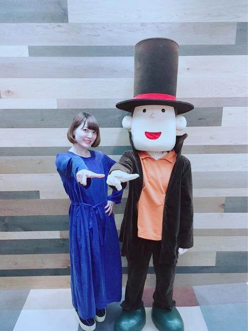 【画像】声優・花澤香菜さんとレイトン教授のツーショットいいですな・・・
