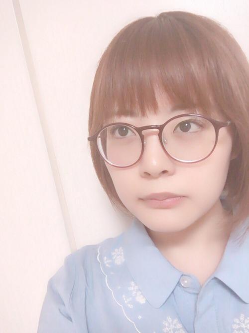 声優・本多真梨子さんのメガネ姿なんかいいな・・・
