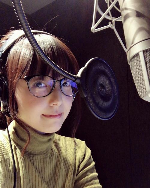 【画像】声優・加藤英美里さんのメガネ姿ってめっちゃいいよね