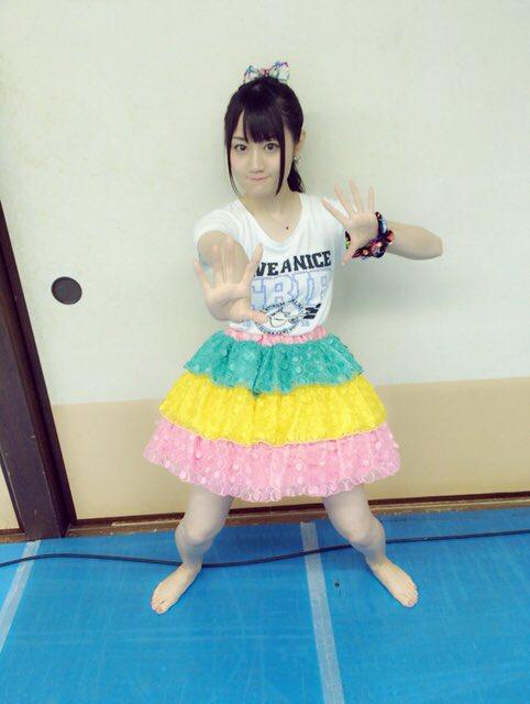 【画像】声優・小倉唯ちゃんのどすこいポーズかわいいな