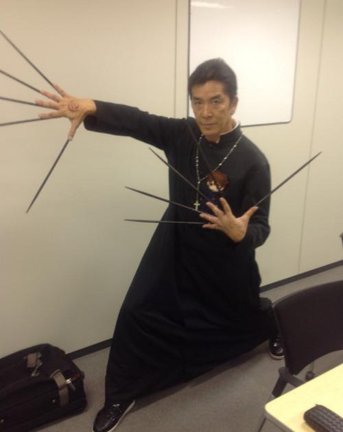 【画像】声優・中田譲治さんって結構なコスプレおじさんだよな
