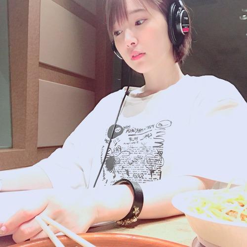 【画像】声優・内田真礼さんは真面目の顔をしてても可愛いな