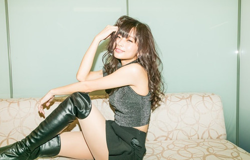【画像】超美人声優・立花理香ちゃんの太ももHすぎwww