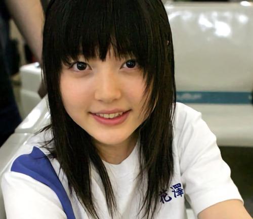 【画像】声優・花澤香菜さんって若い時からいい感じにかわいいよな
