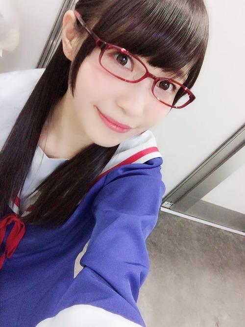 【画像】声優・松井恵理子さんはやっぱみでしの制服+メガネが一番だな