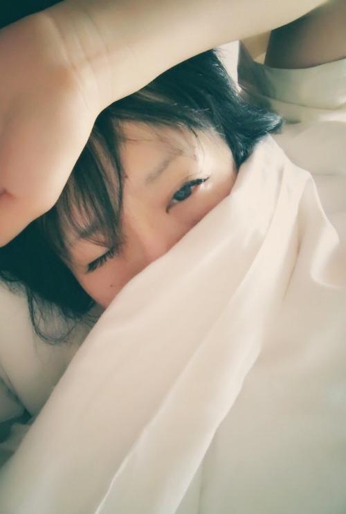 【画像】声優・名塚佳織さんの寝起き姿が可愛すぎる