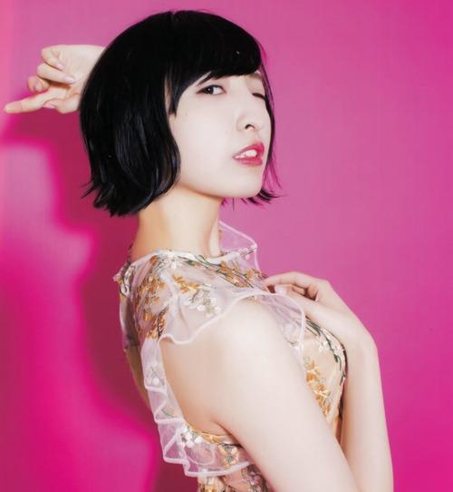 【画像】声優・佐倉綾音さんがイヤラシイすけすけ服を着とる