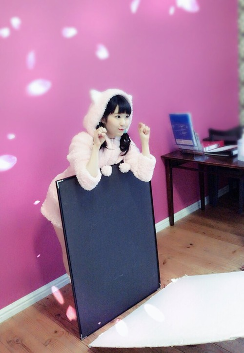 【画像】猫耳パジャマ姿の東山奈央さん可愛すぎだろ