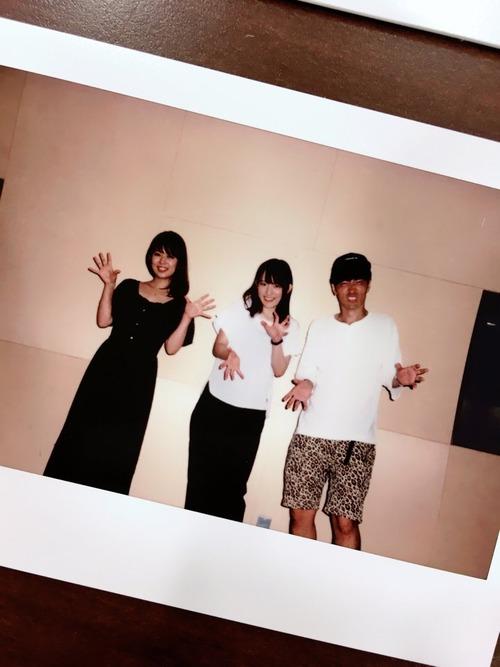 【画像】声優・小松未可子さん、井口裕香さん、櫻井孝宏さんのスリーショットたまらん