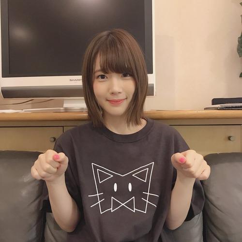 【画像】声優・内田真礼さんのネコTシャツ姿かわいいな