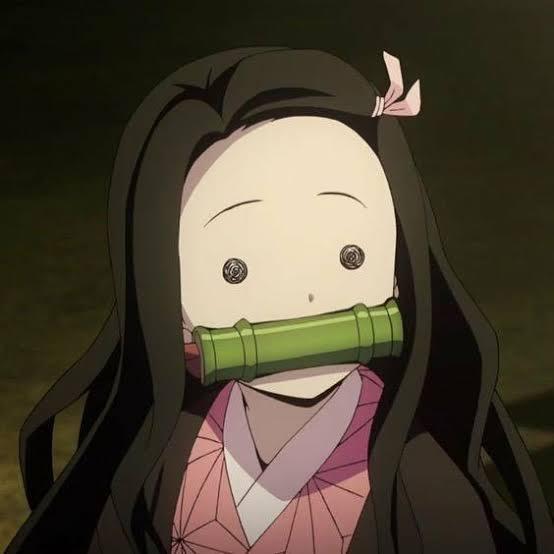 【画像】 鬼滅の刃の竹咥えてる女←こいつ竹咥えてるワタシ可愛いとか思ってそうw